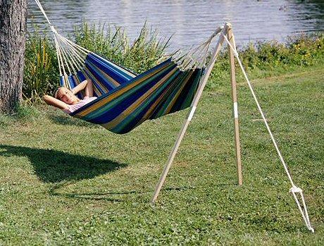 avec le beau temps sortez vos hamacs sans finir aux urgences. Black Bedroom Furniture Sets. Home Design Ideas